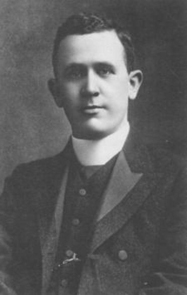 Дж. Стюарт Холден